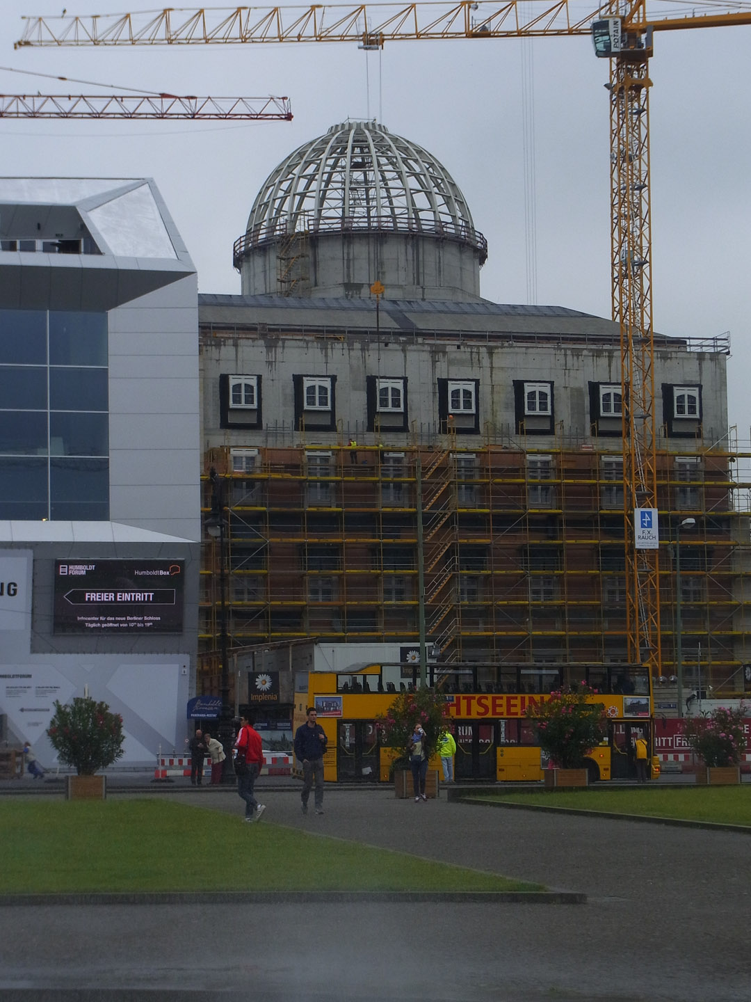 Rebuilding a replica of City Palace, Berlin