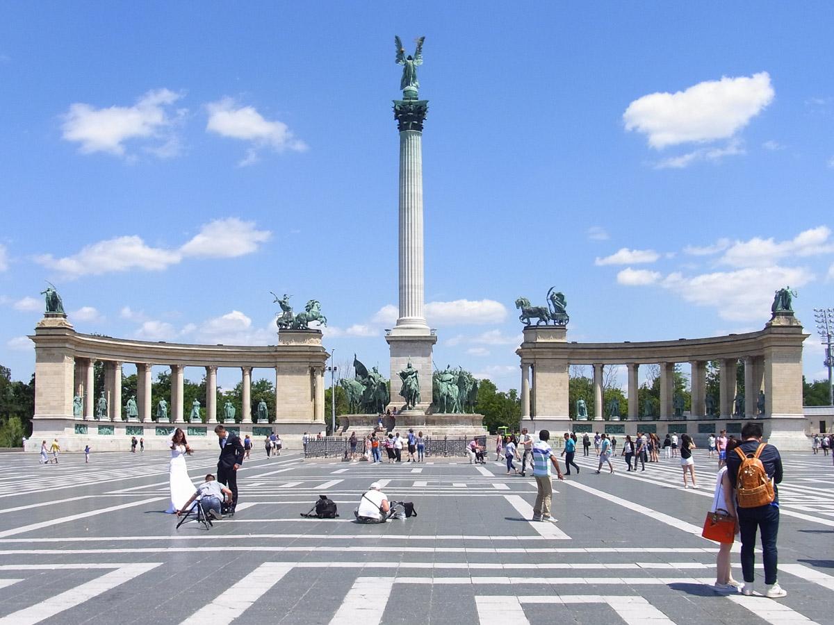 Millennium Monument, Heroes' Square