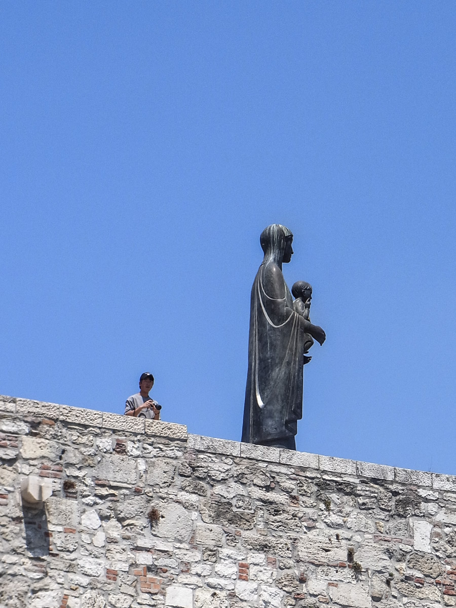 Virgin Mary statue, Buda Castle