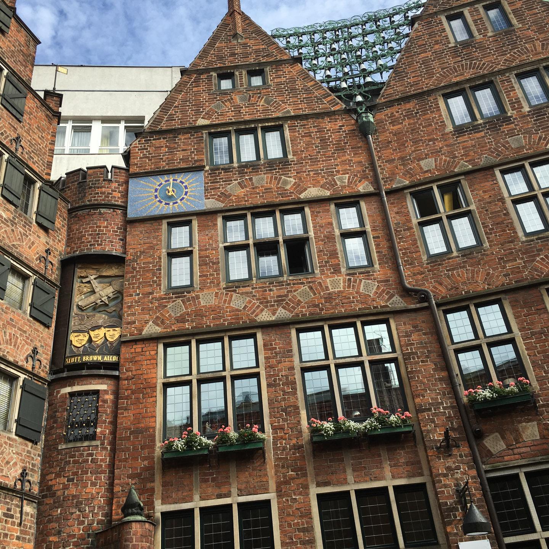 Haus des Glockenspiels (https://en.wikipedia.org/wiki/Glockenspiel_House) at the Böttcherstraße